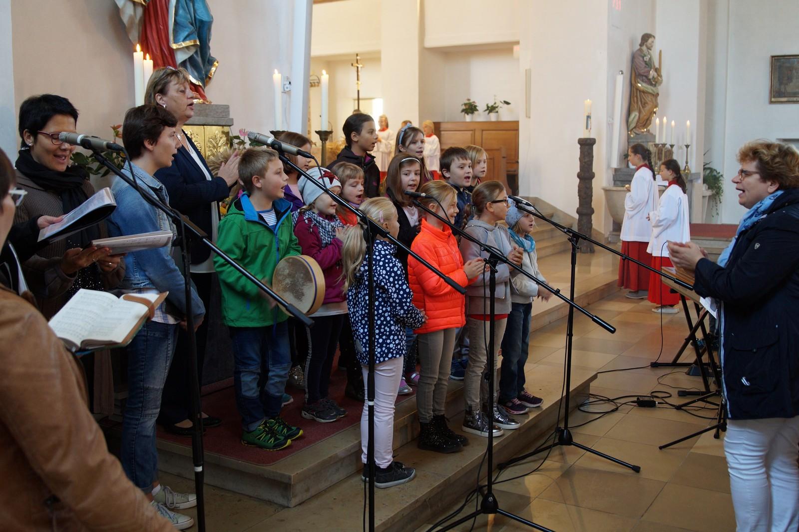 20180930-Erntedank Pfarrei Schwarzenfeld mit Gruppen Piccolo und ContactDSC03446