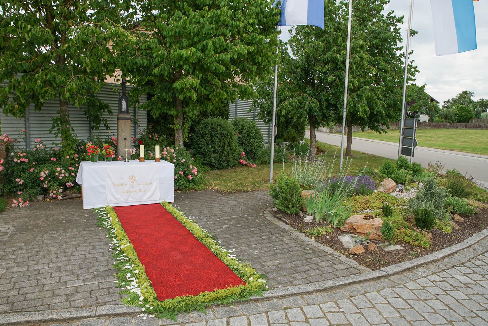 20190632-Fronleichnam Wölsendorf_1.Altar DSC01079